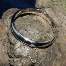 S/Silver clasp open Bangle